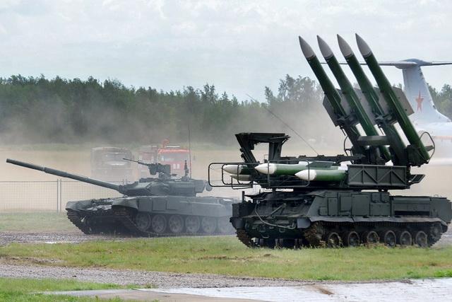 rusija-tenk-rakete-buk-m2