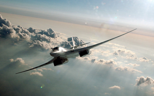 tupolev-tu-160-avion-rusi