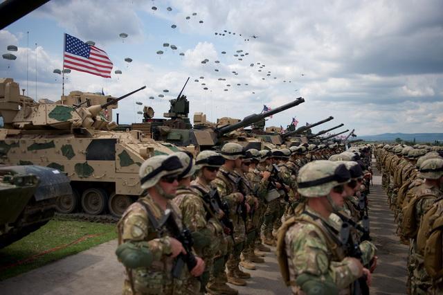 TIHO OPKOLJAVANJE PRED UDAR: NATO konvoj sa 4.000 vojnika i 900 teretnih vagona dugih 14 km ide ka ruskoj granici!