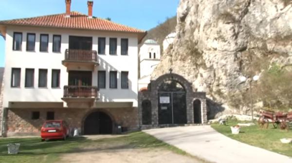 SAZNAJTE TAJNE MANASTIRA GORNjAK: Čudotvorne i lekovite mošti i suze Svetog Grigorija Sinaite (VIDEO)