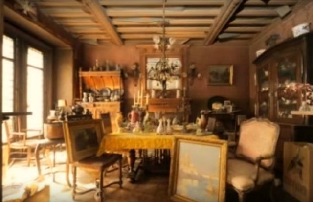 ŠOKIRAĆETE SE KADA POGLEDATE ŠTA SU ZATEKLI: Otključali su stan posle 70 godina i ostali bez teksta (VIDEO)