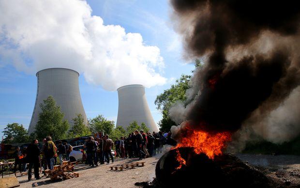 KATASTROFA U FRANCUSKOJ: Eksplozija u nuklearnoj elektrani, ima ranjenih! (VIDEO)
