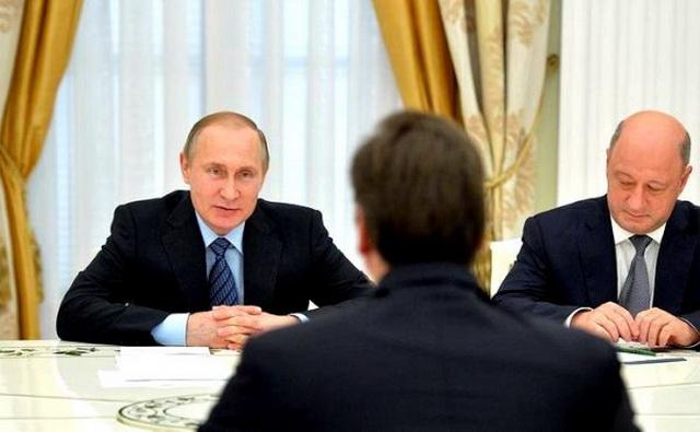 """RUSKI KO MATERNJI: Putin ostao šokiran kada je Aleksandar Vučić počeo """"govorit po ruski""""! (VIDEO)"""