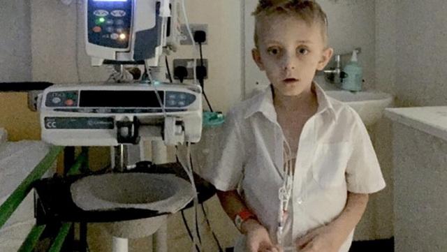 Filip (7) UMIRE od raka i šapnuo je bolničarima svoju POSLEDNJU želju: Čim su čuli, počeli su da PLAČU