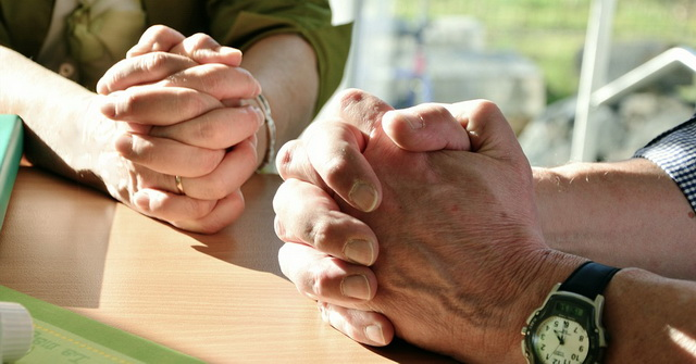 DANAS NIJE OBIČNA SUBOTA: Evo zašto je bitno da izgovorite ovu molitvu pre i posle jela
