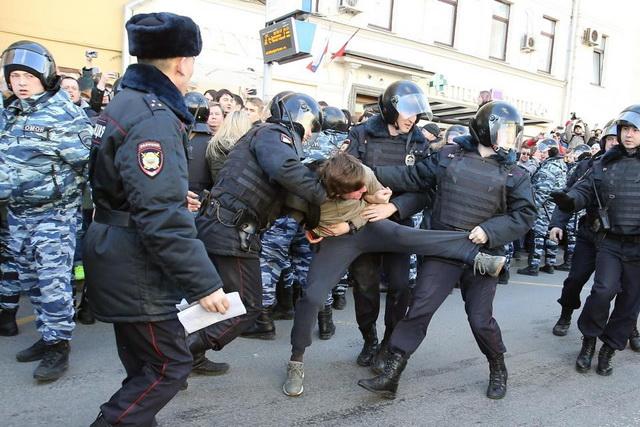 rusija- protesti- policija