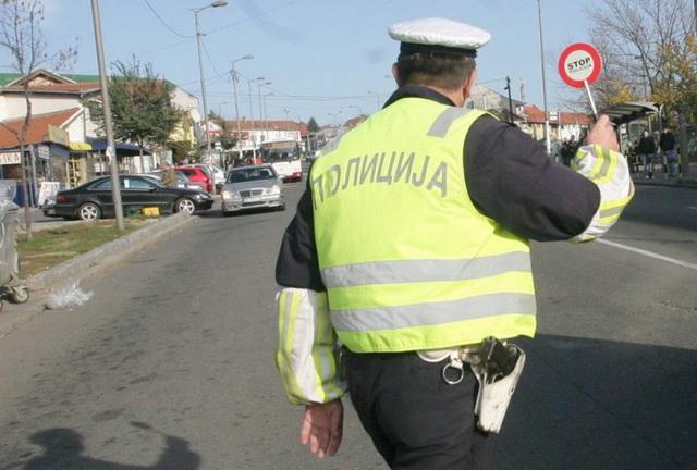 saobracajac-saobracajna-policija-foto-marina-lopicic-1393582203-453355