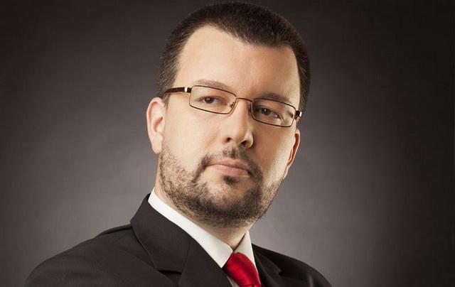 Čedomir Antić otkriva: Srbija je opet u ratu!