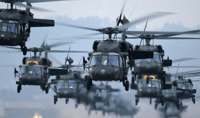 blek- houk- helikopteri