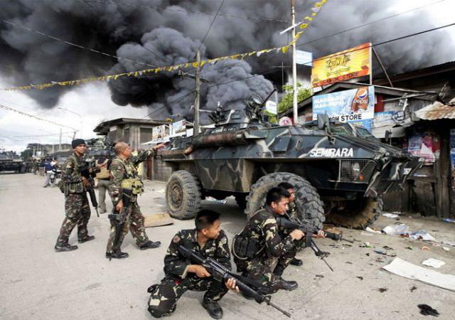 """RAT NA FILIPINIMA- ZAPAD U OPERACIJI UKLANJANJA """"PRORUSKOG"""" PREDSEDNIKA DRŽAVE : Teroristi zauzeli školE i uzeli taoce, vode se žestoke borbe! (MAPA/VIDEO)"""