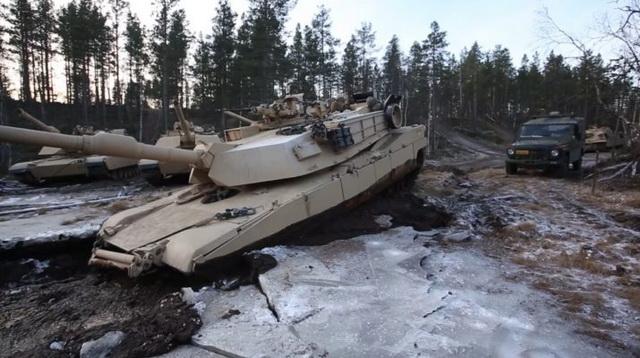 tenk-abramsi-zaglavljeni