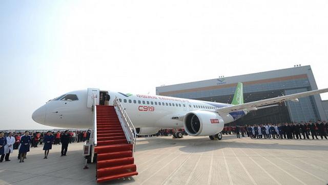 Kinezi zadovoljno trljaju ruke: Svi hoće čudo od aviona, već naručeno 600 letelica! (VIDEO)