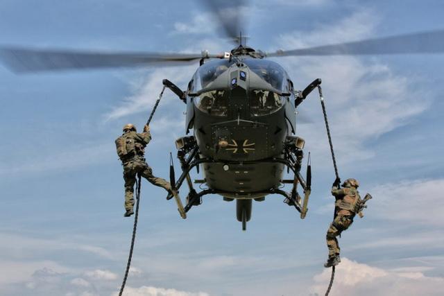 helikopter- vojnici