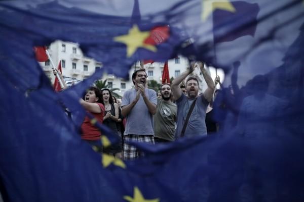 ČEŠKI TRAMP LJULJA EU TEMELJE: Milioner populista stiže na čelo zemlje, leđa mu čuvaju dva dobro poznata lica, a prva meta im je- BRISEL!