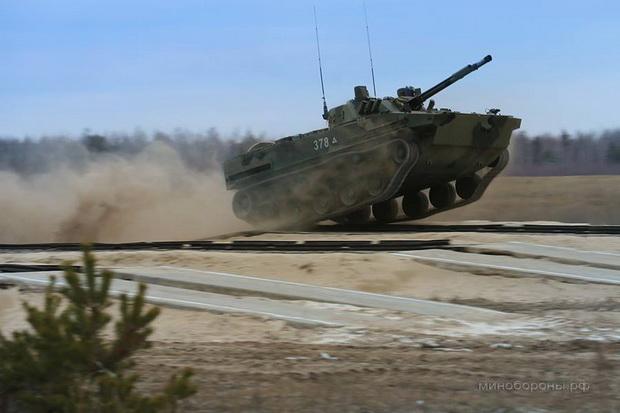 TAJNO RUSKO ORUŽJE: Mali leteći tenkovi koji su dobijali ratove skoro pola veka (VIDEO)