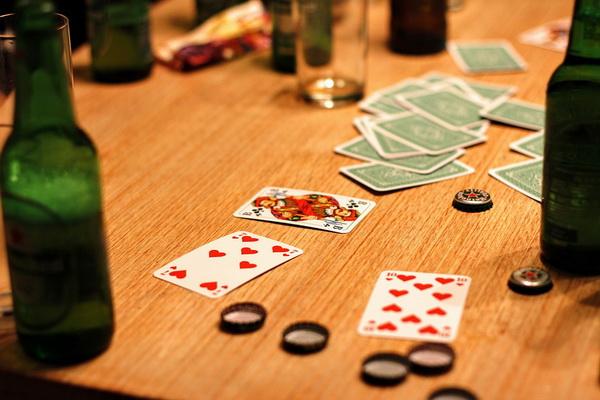 Kockanje- alkohol- pivo- karte