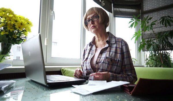 SRPSKI BANKARI POKUŠALI DA JE OPLJAČKAJU: Otišla po štednju, rekli joj da novca nema A ONDA JE OVO URADILA..